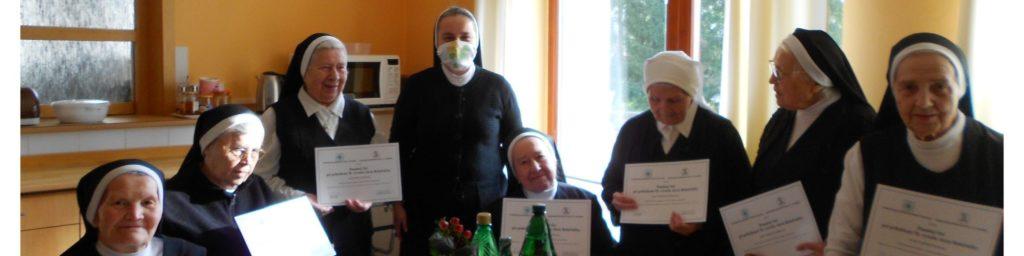 Desať Školských sestier v Okoličnom dostalo pamätné listy k 70. výročiu Akcie R